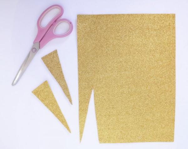 pochette cadeau licorne ciseaux et papier doré