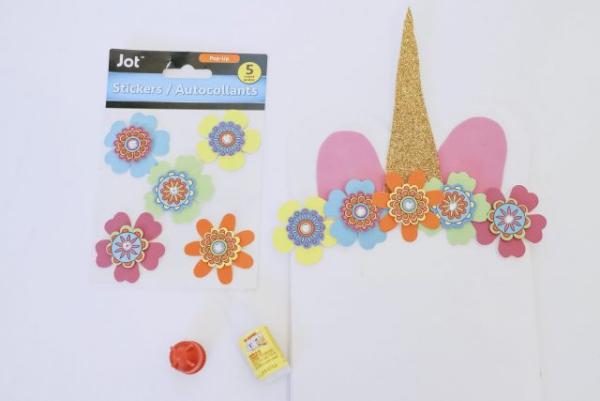 pochette cadeau licorne fabriquer des fleurs