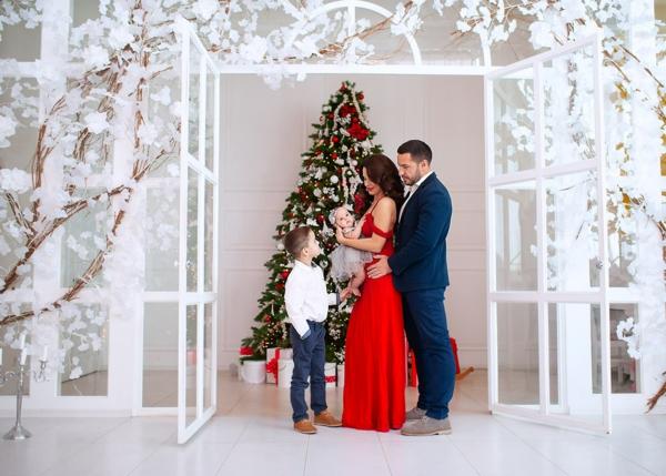 séance photo famille noël fond blanc