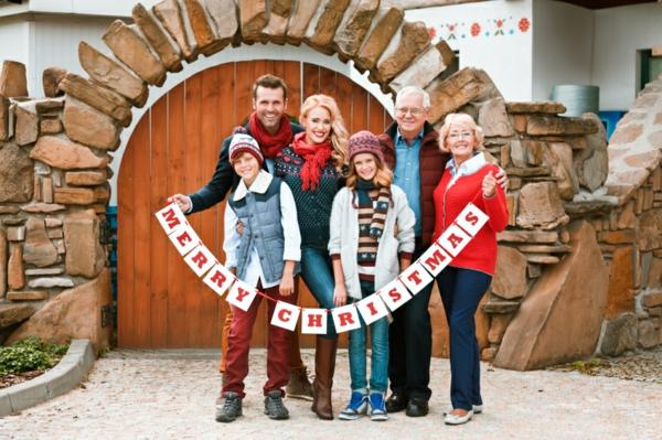 séance photo famille noël parents enfants grands-parents