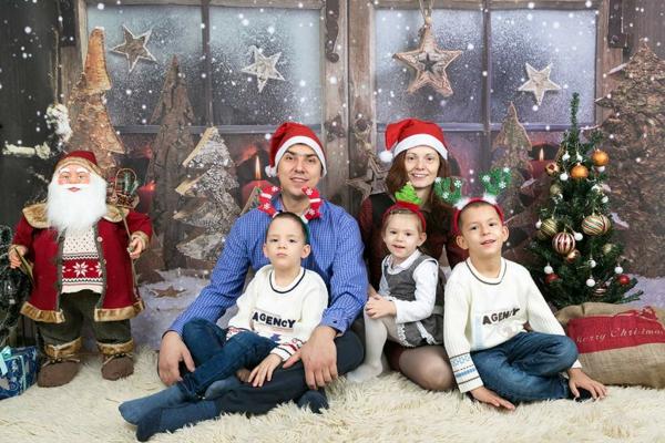 séance photo famille noël parents enfants