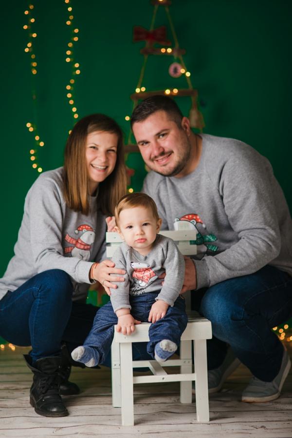 séance photo famille noël pulls gris
