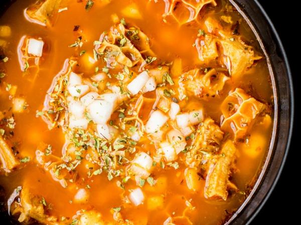 soupe aux tripes méxicaine