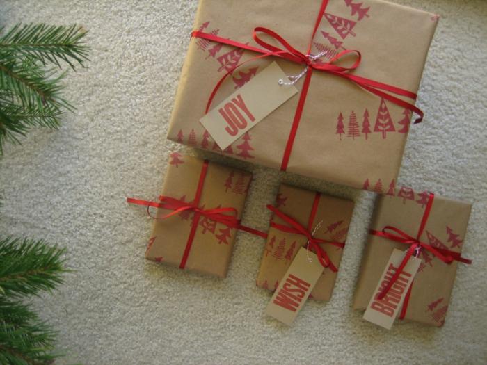 tampon encreur idée déco papier cadeau kraft pour noël