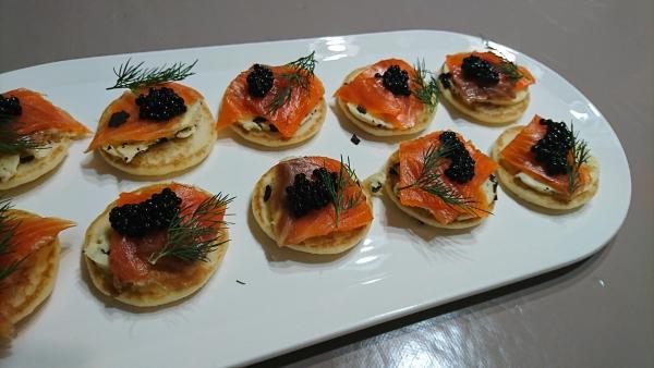 truffes à la table de Noël saumon et caviar