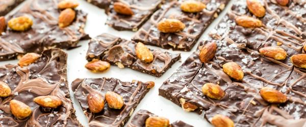 Tou Bichvat du chocolat aux amandes