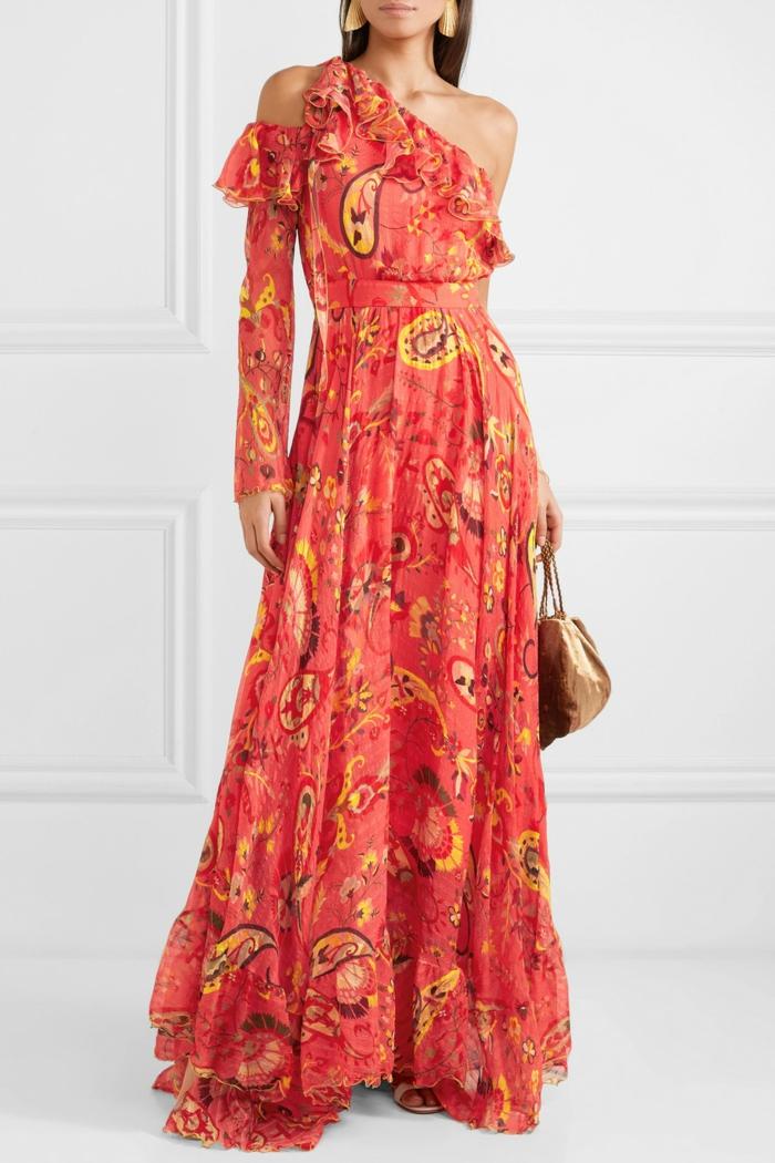association couleur corail robe colorée
