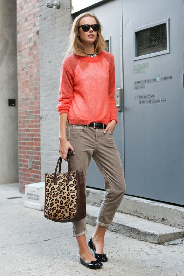 association couleur corail style casual