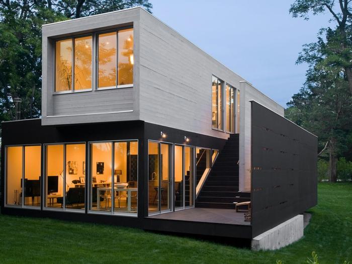 belle maison réalisée à partir d'un container habitable