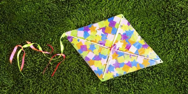 cerf-volant en papier multicolore
