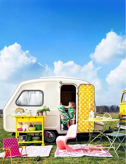 déco caravane jaune vivant