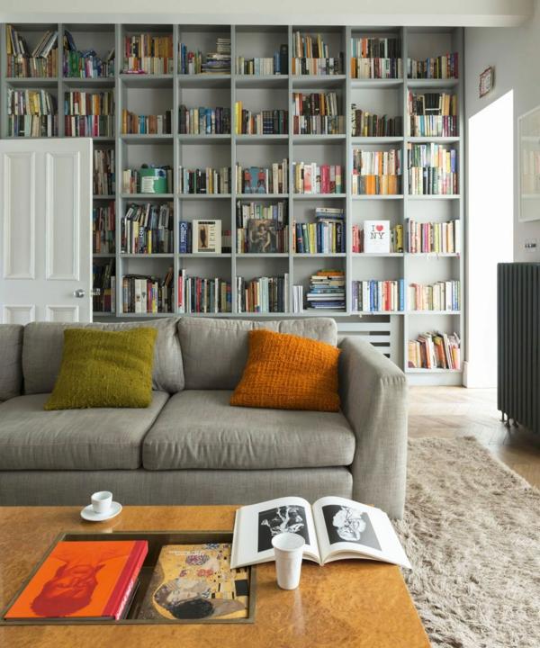 déco salon gris mobilier gris accessoires colorés