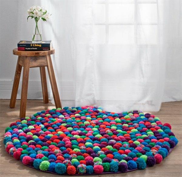 déco salon tendance diy tapis pompon
