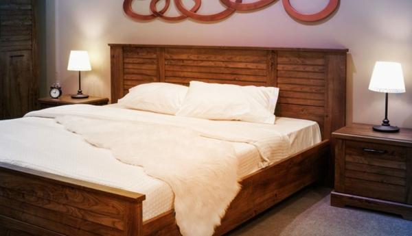 déco tête de lit étagère lattes de bois
