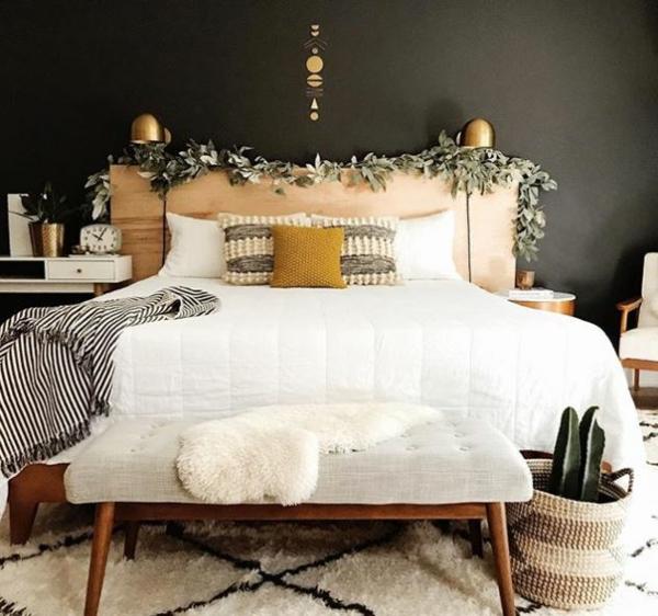 déco tête de lit bois plante