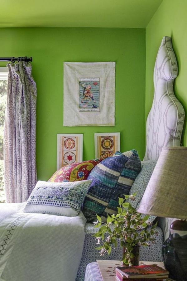 déco tête de lit en bois et tissu