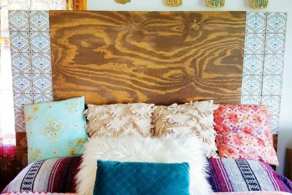 déco tête de lit panneau de bois papier peint