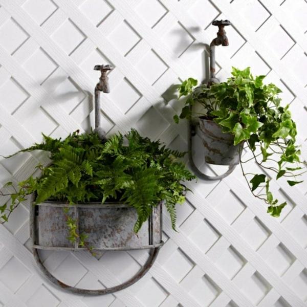 décorer son jardin avec des objets de récupération évier en métal
