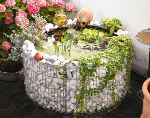 décorer son jardin avec des objets de récupération bassin gabion