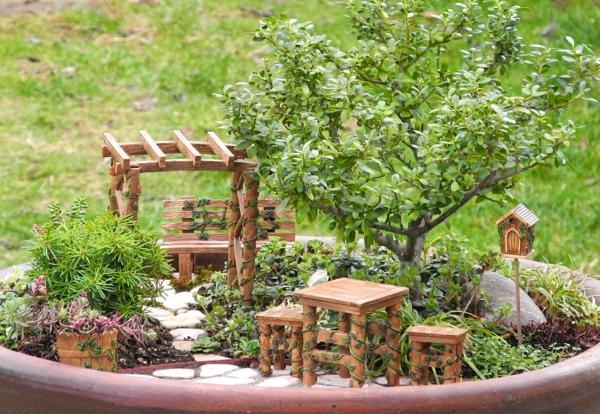 décorer son jardin avec des objets de récupération bois recyclé