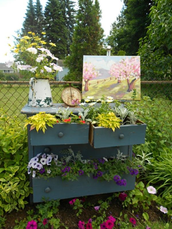 décorer son jardin avec des objets de récupération buffet de cuisine