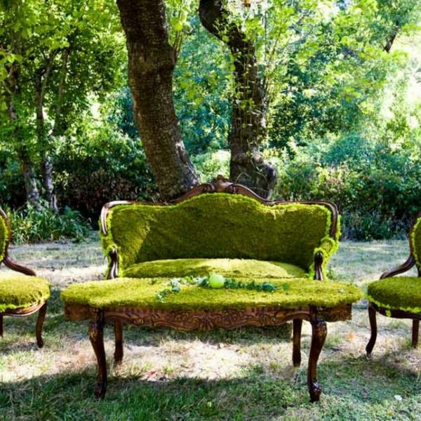décorer son jardin avec des objets de récupération canapé