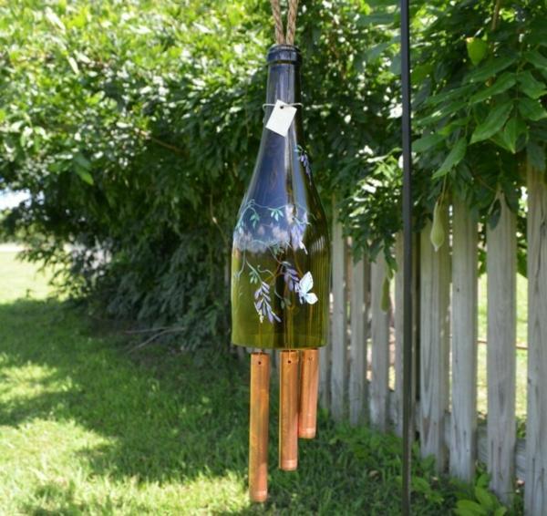 décorer son jardin avec des objets de récupération carillon éolien
