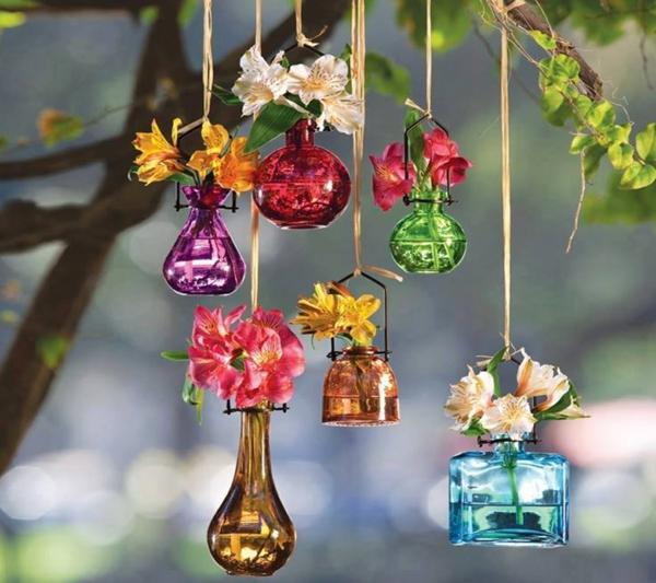 décorer son jardin avec des objets de récupération flocon de parfum