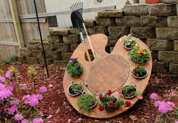 décorer son jardin avec des objets de récupération palette en bois