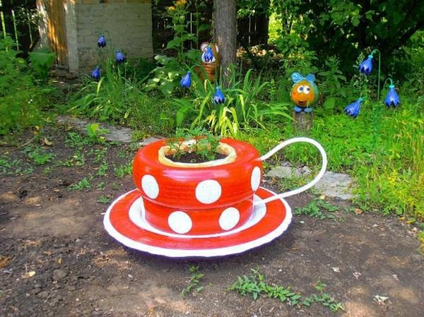 décorer son jardin avec des objets de récupération pneus de voiture