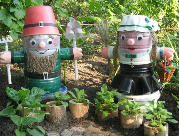 décorer son jardin avec des objets de récupération recyclage bouteilles plastique