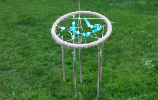 diy carillon éolien bâtonnets en métal billes en plastique