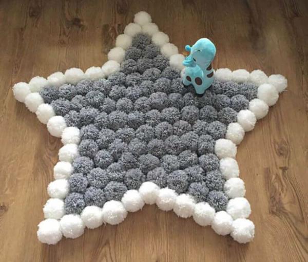 diy tapis pompon étoile