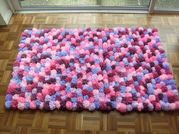 diy tapis pompon de grande taille