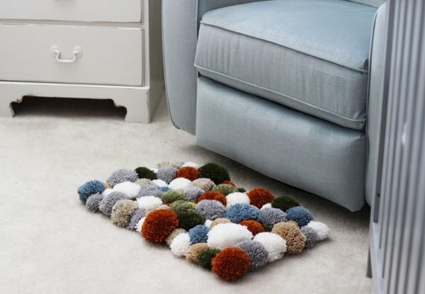 diy tapis pompon pour le salon