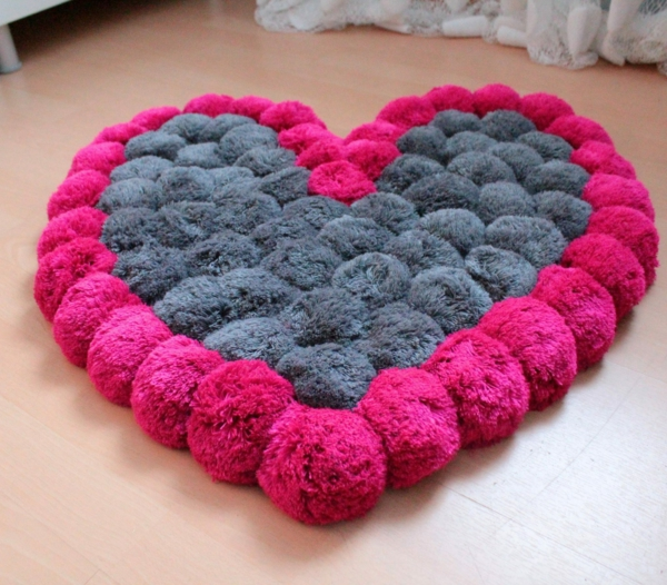 diy tapis pompon saint-valentin