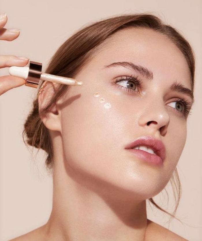 enlumineur pour un maquillage yoga skin