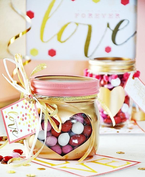 idée cadeau saint valentin fait main bocal plein de bonbons