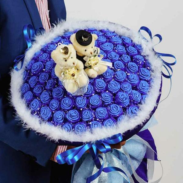 idée cadeau saint valentin fait main bouquet de roses faites en textile