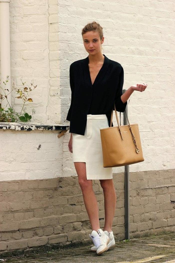 jupe blanche avec basket compensée