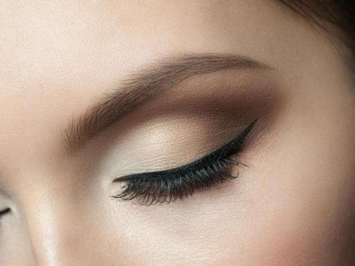 maquillage avec des faux cils magnétiques