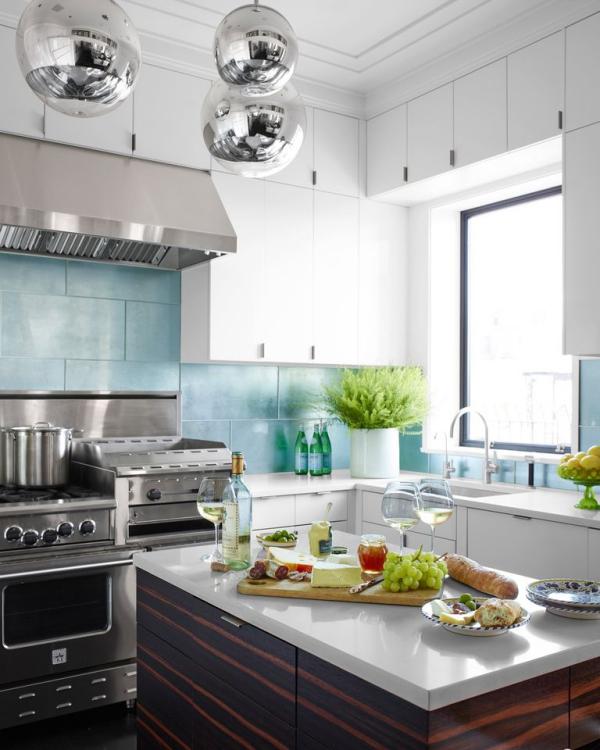 meuble cuisine design blanc, gris et bleu-ciel