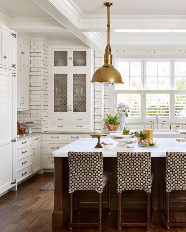 meuble cuisine design lampadaire en laiton