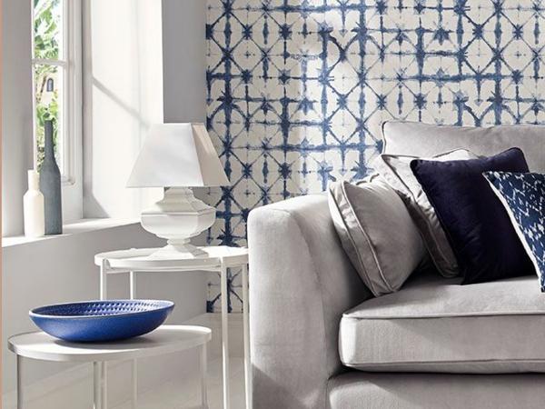 papier peint tendance 2019 couleur indigo motifs géométriques