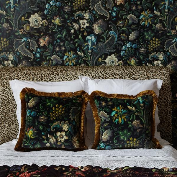 papier peint tendance 2019 motifs fleurs style sophistiqué