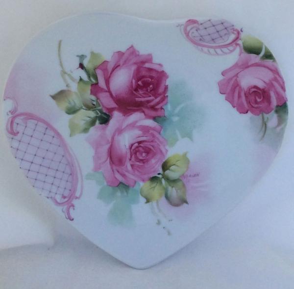 peinture sur porcelaine en forme de coeur