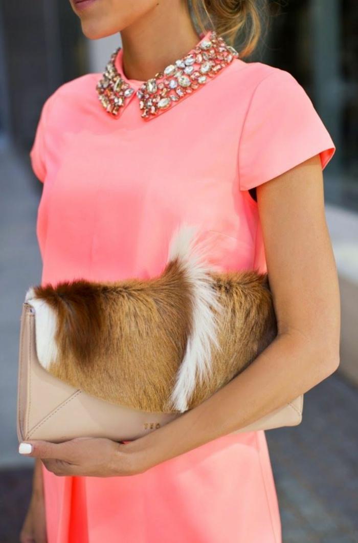 robe élégante association couleur corail idée