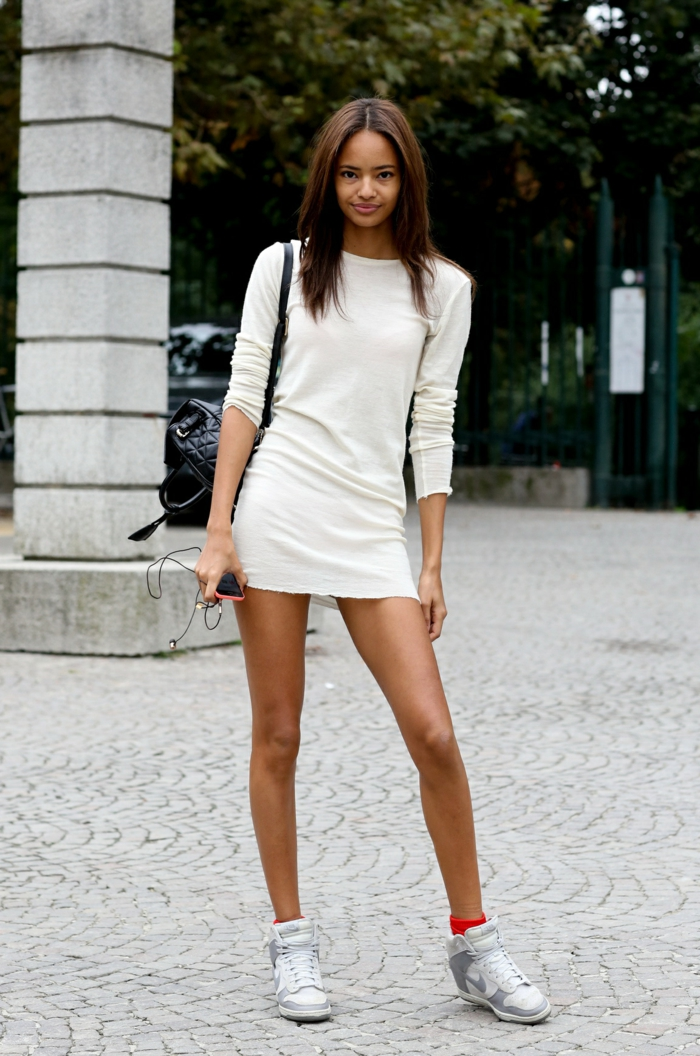 robe courte avec basket compensée