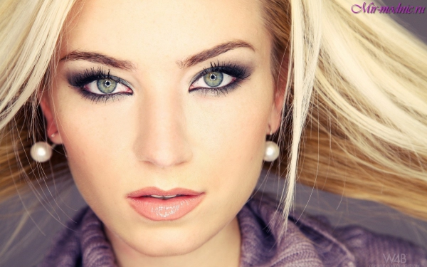 smokey eyes jolie blonde