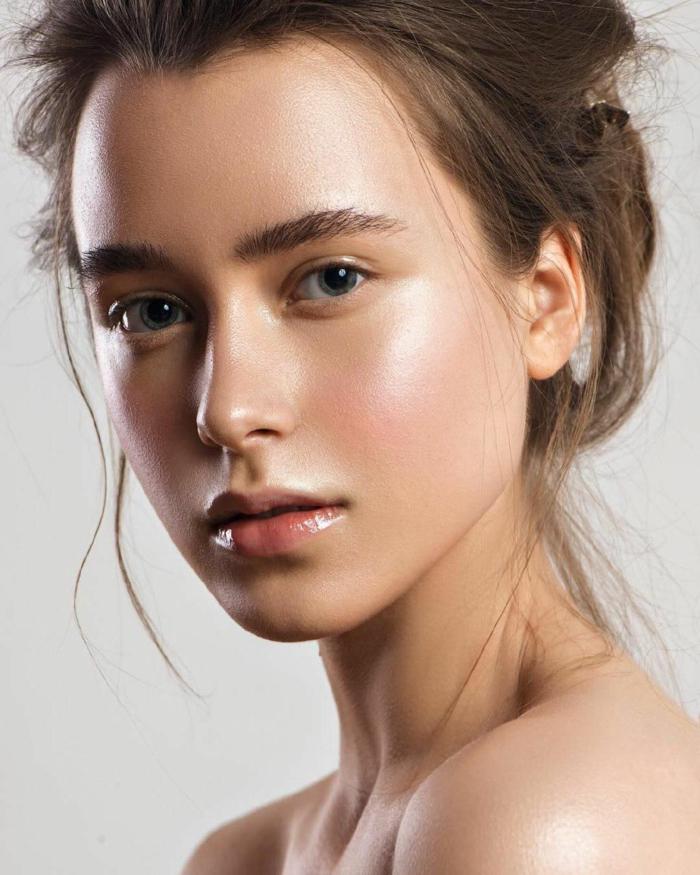 yoga skin maquillage femme moderne